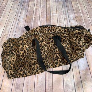 Leopard Print Duffle Bag 💕
